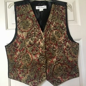 Norton McNaughton Ladies Paisley Button Vest